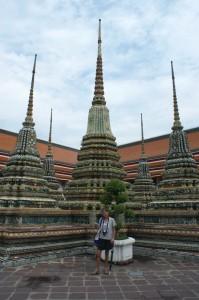 305-cat-at-grand-palace